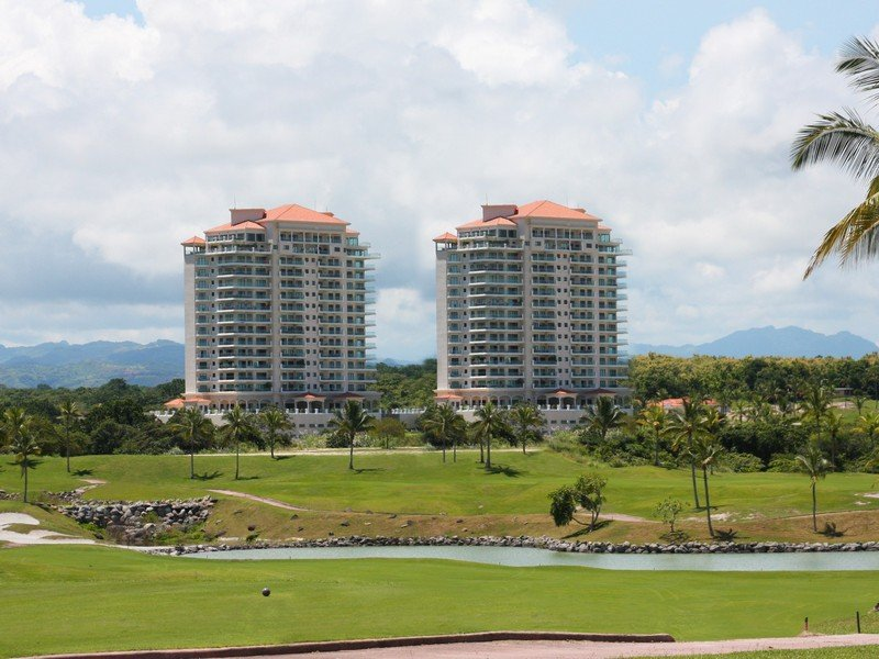 Vista Mar Golf Panama Condo