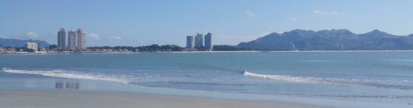 https://www.worldpanamarealestate.com/wp-content/uploads/2017/09/Coronado-Panama-Beach.jpg
