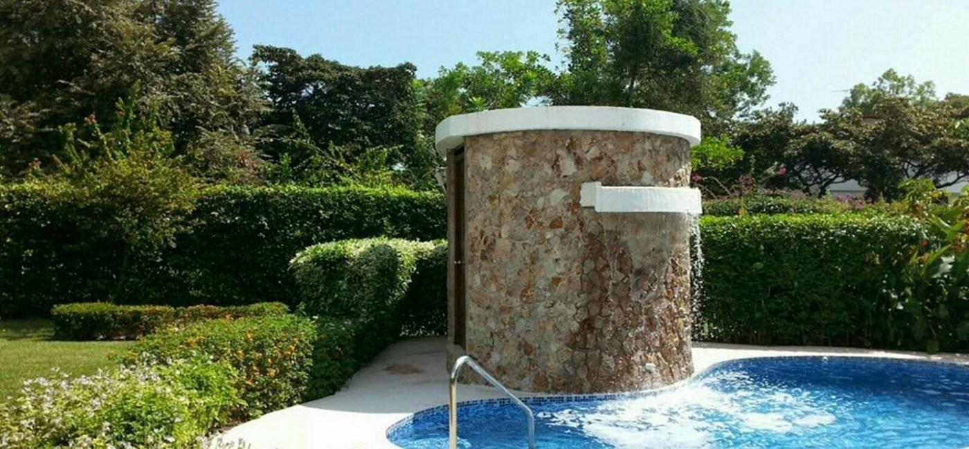 santa-clara-pool01