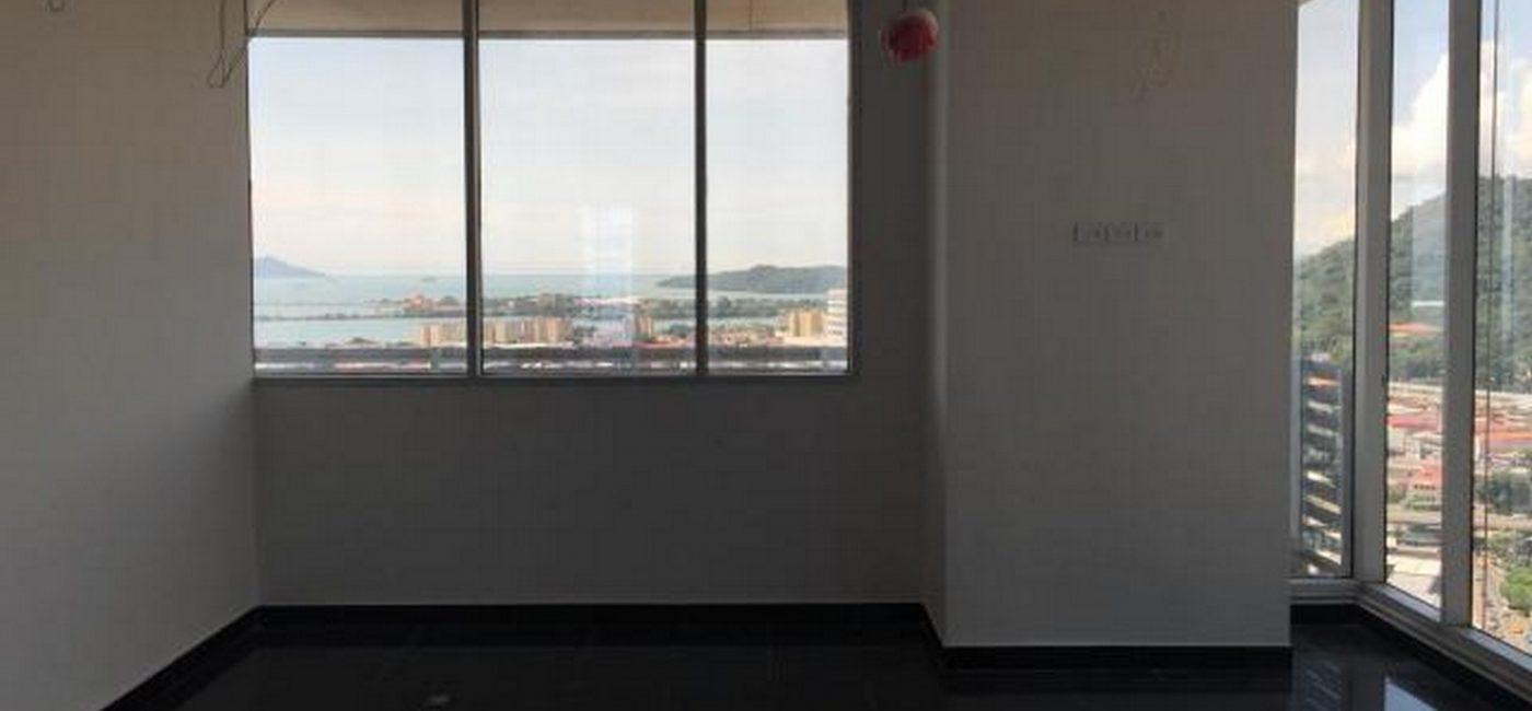 balboa-office02
