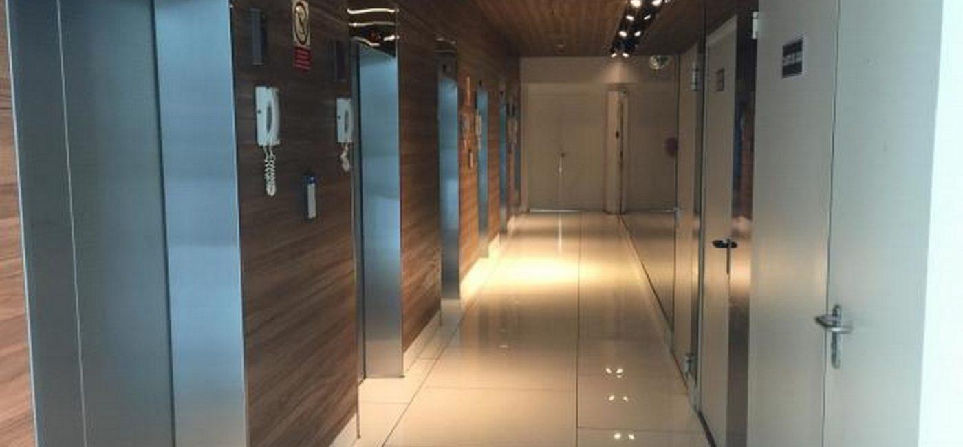 balboa-office09